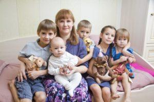 Кто считается многодетной матерью в россии 2020